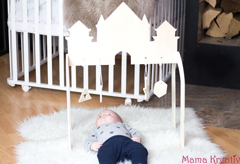 ritterburg spielbogen f r baby selber machen mit twercs von vorwerk mama kreativ. Black Bedroom Furniture Sets. Home Design Ideas